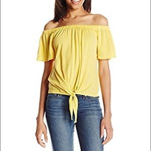 NWT cupcakes and cashmere yellow off shoulder M